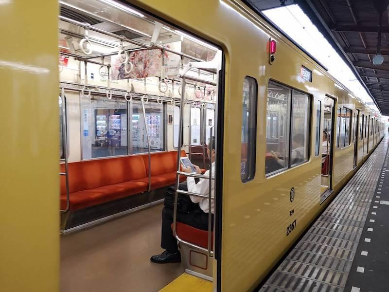 新所沢の電車